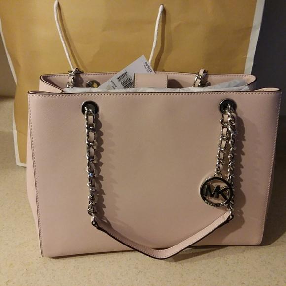f868ce4cdfbf Michael Kors Bags | Big Bag | Poshmark